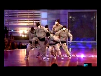 Jabbawockeez (Dem Franchize Boyz - Lean wit it, Rock wit it)